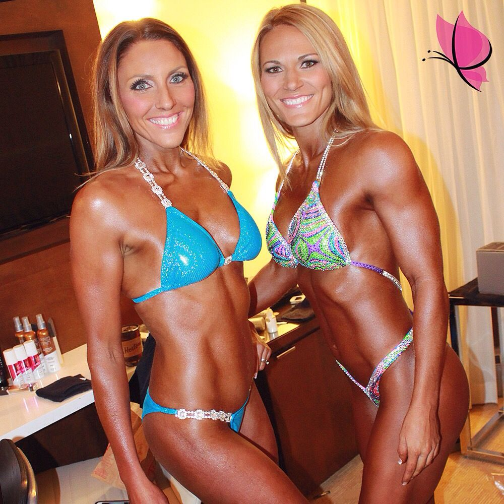 No photoshopping needed whatsoever on these two super hawt and super #fitmamas @annaearley4 and @busymomgetsfit as we #throwitback to the 2014 #UFE World Championships #MakeupandHair and #SprayTan by #kayanabeauty #kayanabeautytrends