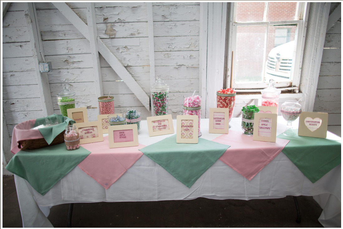 Do it yourself candy bar for your wedding easy simple not do it yourself candy bar for your wedding easy simple not solutioingenieria Images