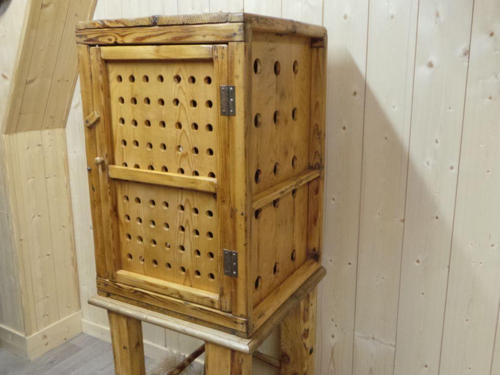 meuble garde manger ancien savoyard