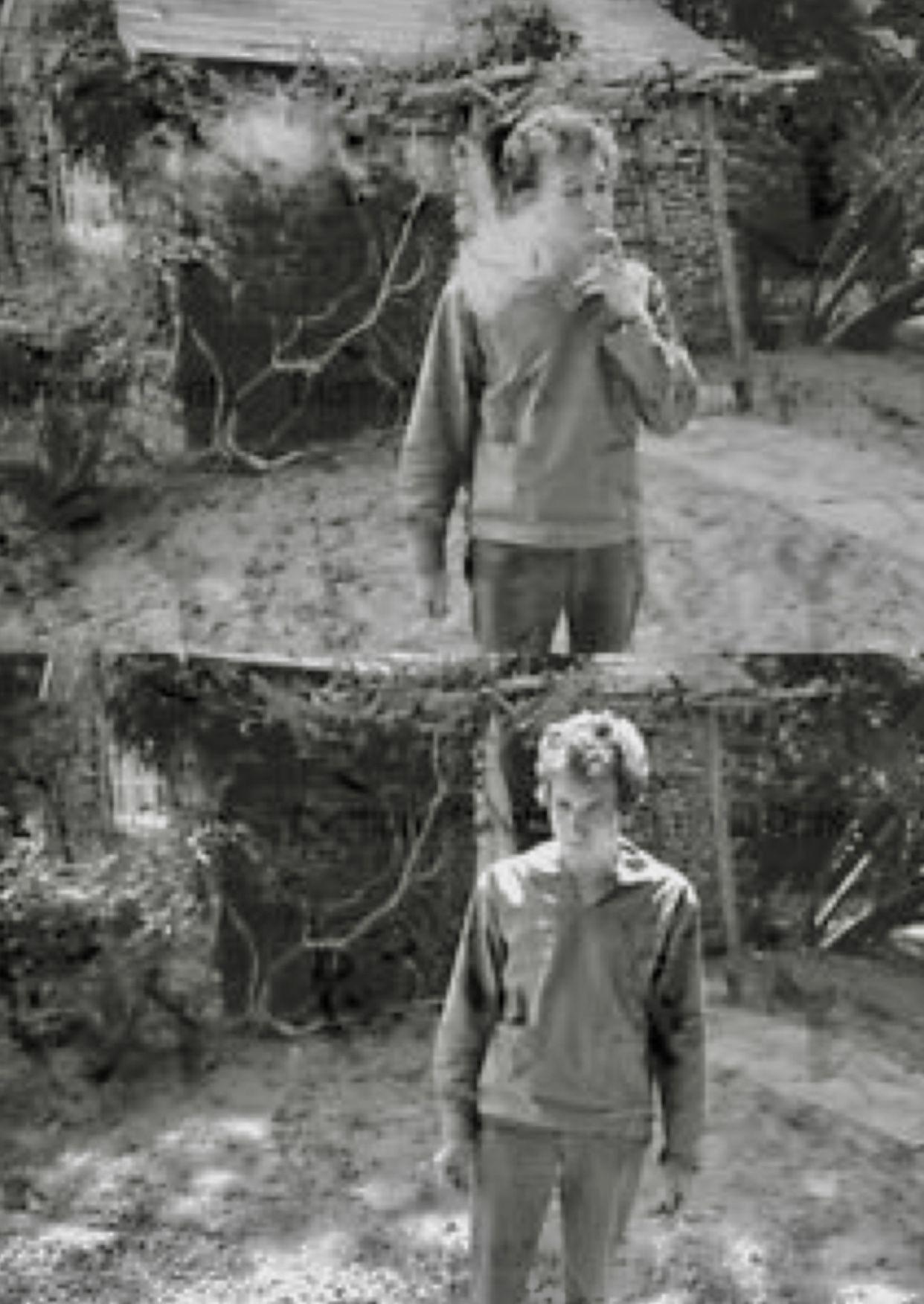 Bob Dylan Having A Smoke In His Backyard | Dylan, Bob ...