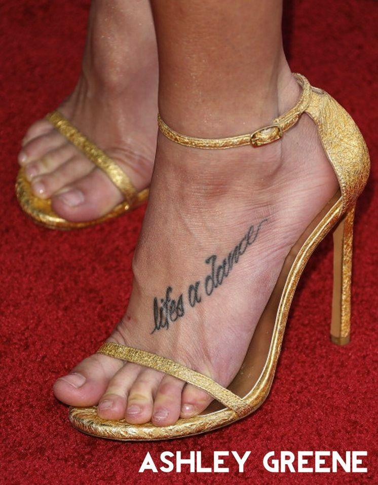 Celebrity fetish foot pic