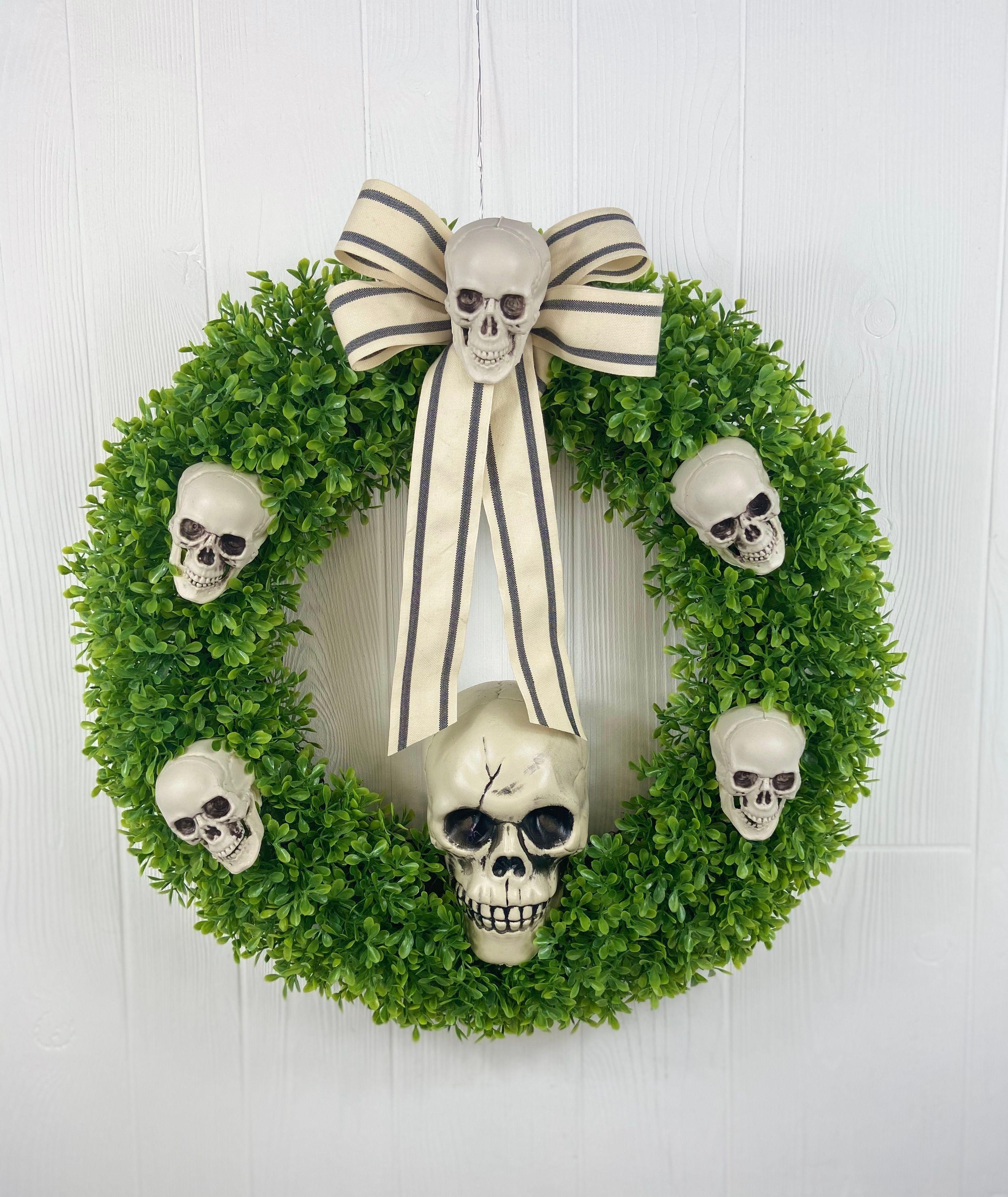 Boxwood Halloween 2020 Halloween Boxwood Wreath with Skulls in 2020 | Halloween