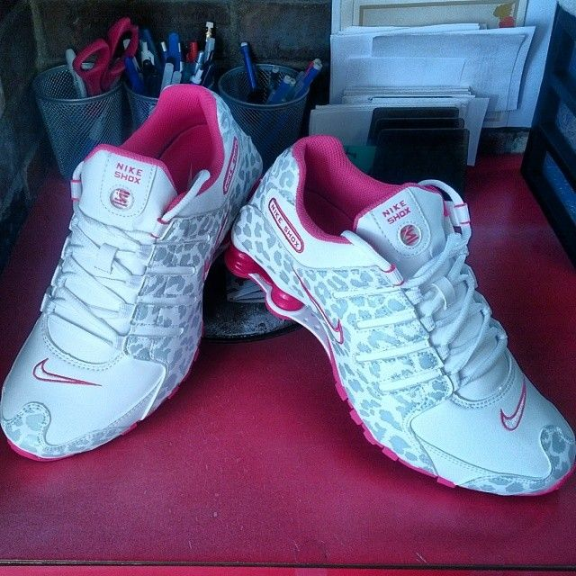 new style 80448 2d1eb ... print nike shoes Pink and Leopard Nike Shox ...