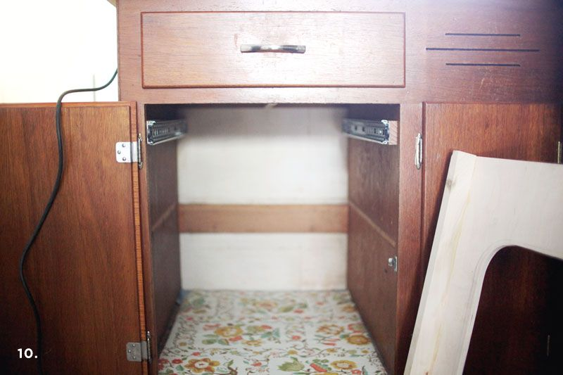 Ordinaire Convert A Cabinet Into A Pull Out Trash Bin   A Beautiful Mess