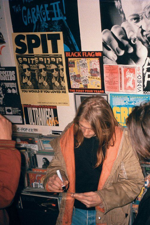 Private Pictures of Kurt Cobain's 1989 Breakout Tour (Photos) | Hollywood Reporter