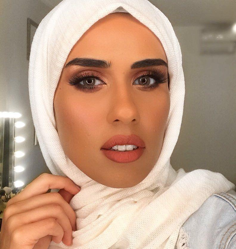 Asma Makeup Artist Stylist On Instagram عدساتي بيلا ساندي جري متوفرة في موقع Eyewa احب هالدرجة دايما ألبسها ما تبين اوفر و تحلي الميكب هالموقع عن
