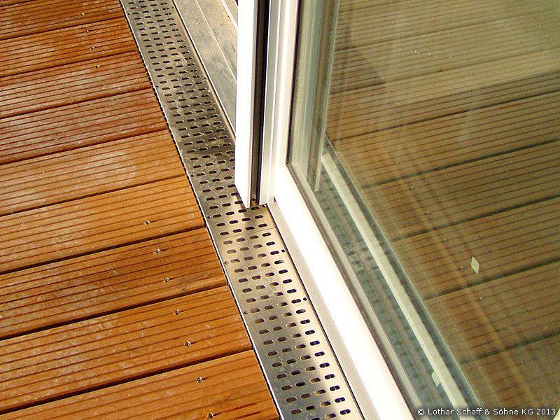 terrassenboden mit aufnehmbaren revisionsklappen