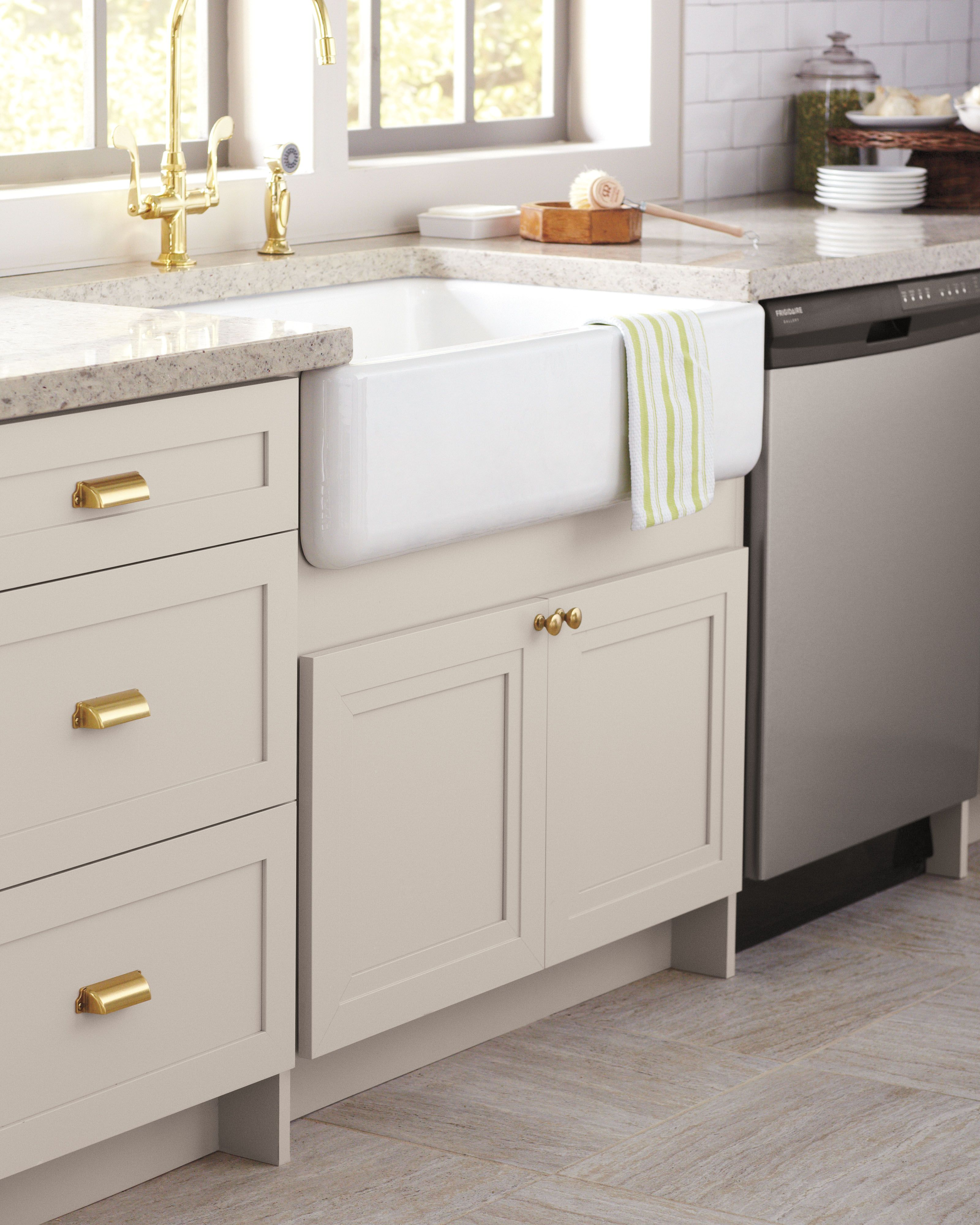 Modern Farmhouse Or Classic Country? Find Your Kitchen Style.