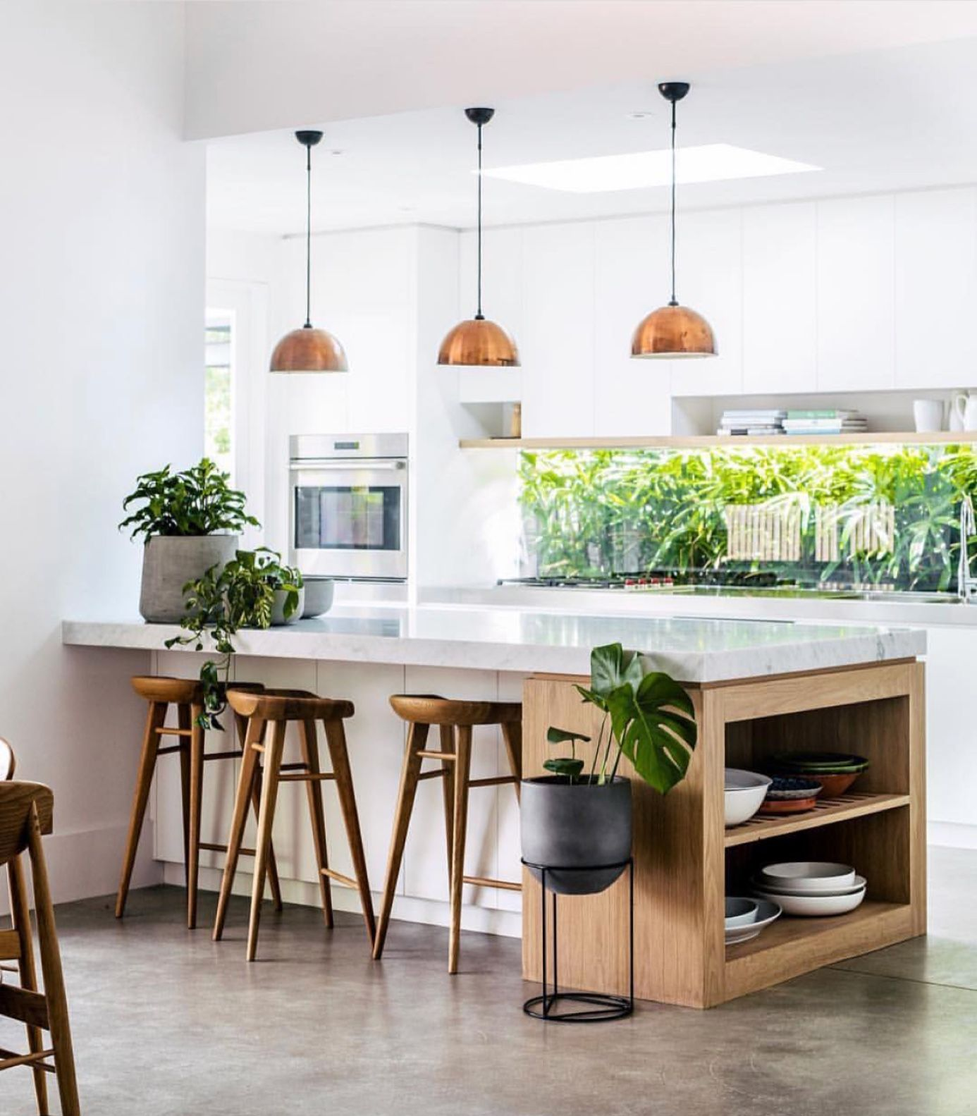 Mit Ausgewählten Pflanzen Und Home Accessoires Verwandeln Sie Ihre Räume In  Ein Einladendes Zuhause.