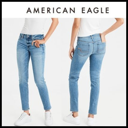 Casual yet stylish - meet the new collection of #streetstyle inspired denim jeans by American Eagle Outfitters and be inspired for your next #ootd. #outfitideas #desigerjeans #designerdenim #americaneagle #aeo #americanaglejeans #aejeans #womensfashion #womensstyle