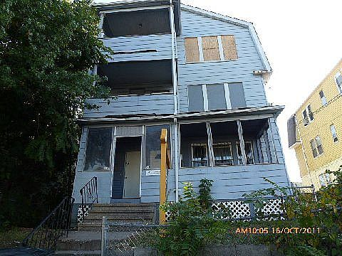 Hartford Connecticut Foreclosure Home For Sale 230 232 Enfield Street Hartford Ct 06112 Foreclosed Homes Bank Owned Properties Foreclosure Listings