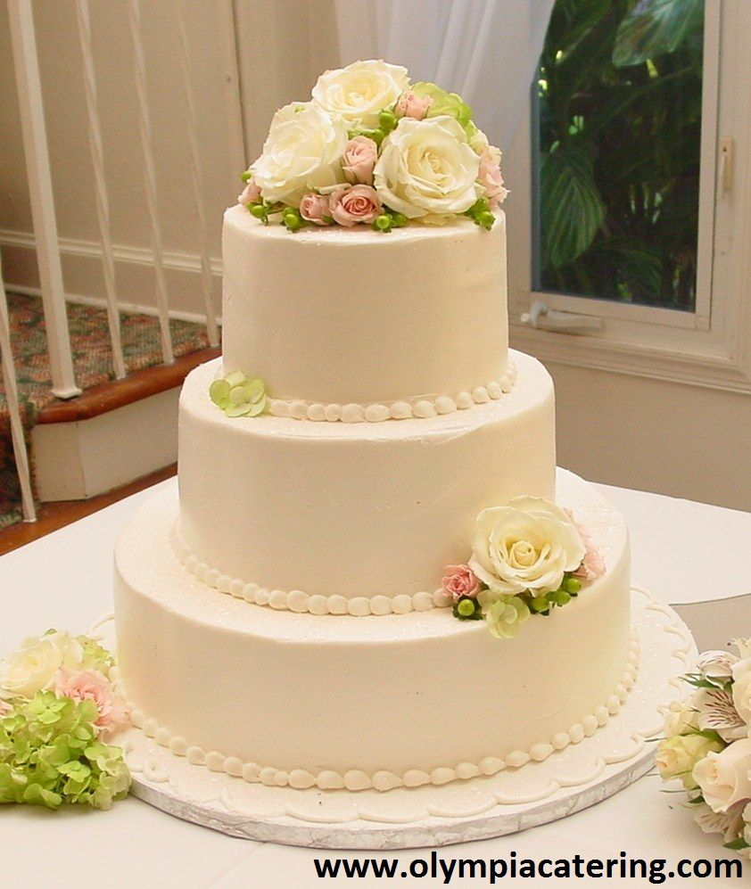 Round Wedding Cake, Simple, Fresh Flowers, 3 Tiers
