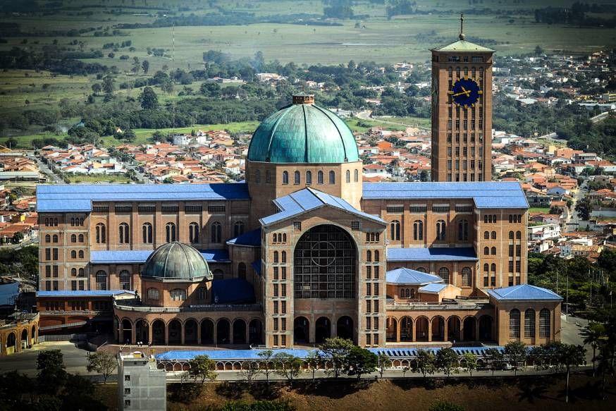 Santuário de Aparecida: destino obrigatório do turismo religioso