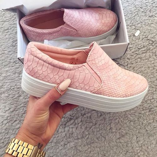 Image via We Heart It #details #minimalism #pink #shoes #sneakers #