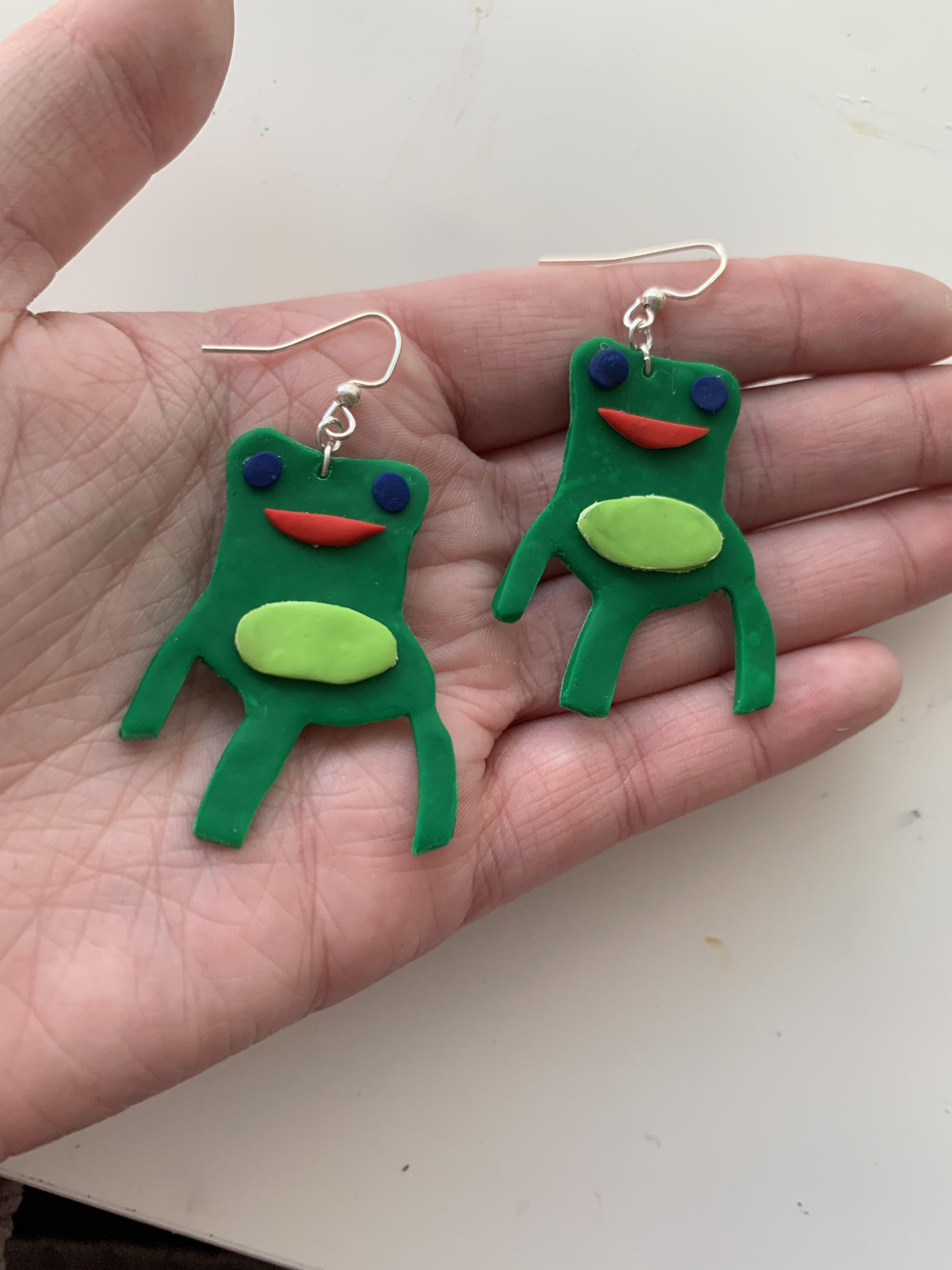 Animal Crossing Froggy Chair Earrings In 2020 Polymer Clay Animals Animal Crossing Polymer Clay Diy