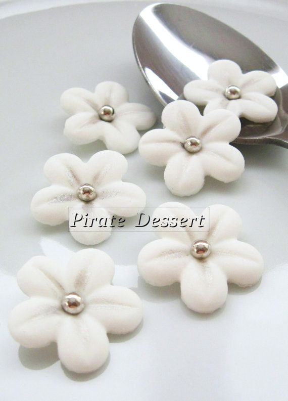 White sugar flowers 1 inch 25mm silver fondant blossoms edible find this pin and more on weddings white sugar flowers mightylinksfo