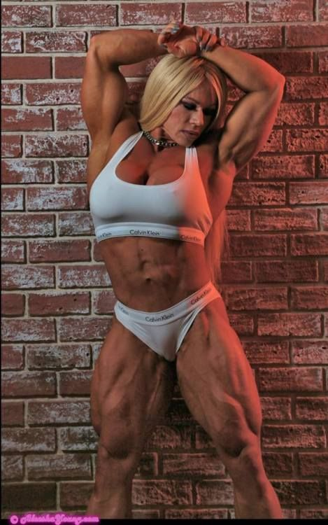Aleesha Young Musclebodybuilders Pinterest Fitness Bodybuilding And Muscle Girls