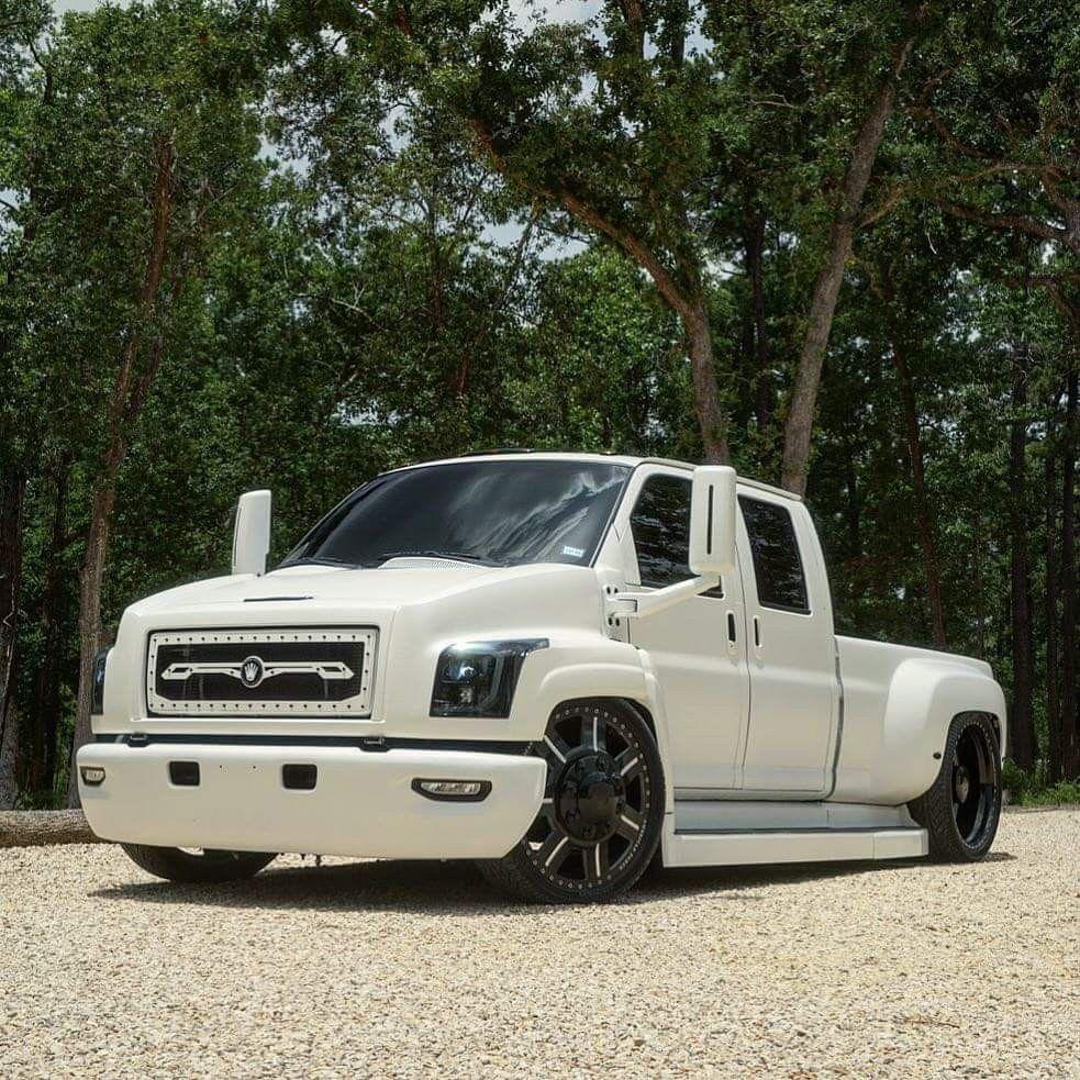 06 Chevy Kodiak Crew Cab Dually On 28 American Force Wheels Lowered Trucks Chevrolet Trucks Single Cab Trucks
