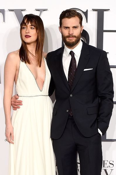 Fifty Shades Darker Spoilers Cast News Jamie Dornan Dakota Johnson S Demands For Pay Increase Cause Delays In Prod Cinquenta Tons Looks 50 Tons