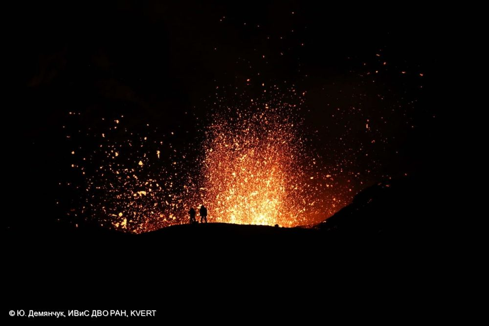 Volcano World | An excellent website with an essential and up to date list of all of the world's currently erupting volcanoes