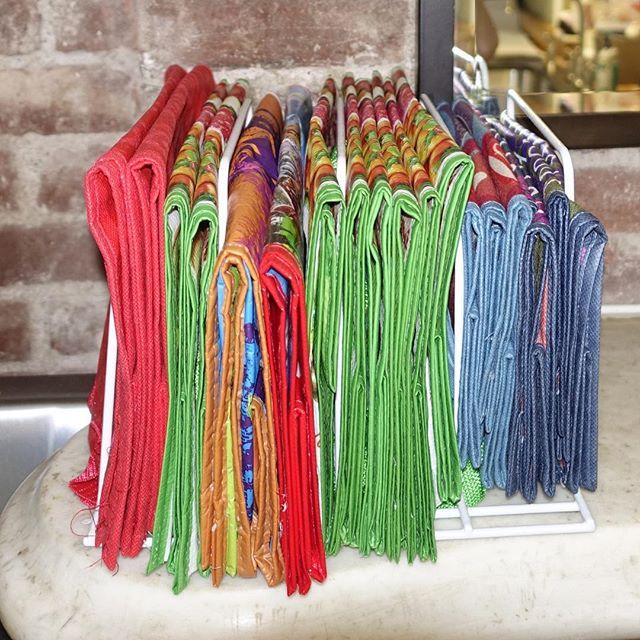 File dividers are a brilliant way to store reusable shopping bags ...