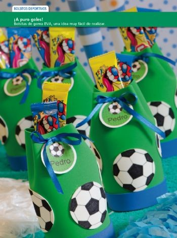 8d2372884 Caramelero deportivos - Goma Eva Centro De Mesa Futbol, Bolsas Golosineras, Fiestas  De Cumpleaños