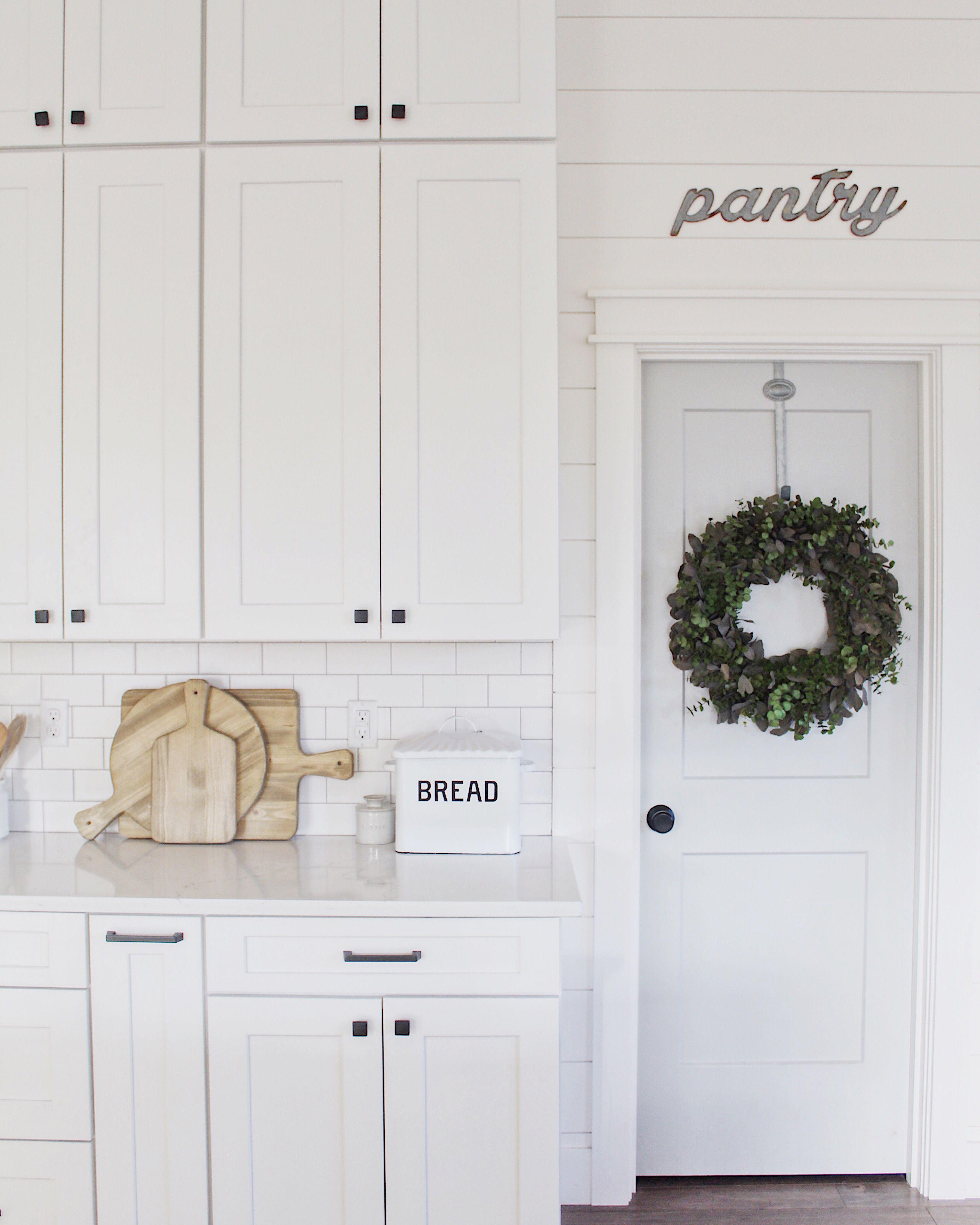 Download Wallpaper Modern White Kitchen Hardware