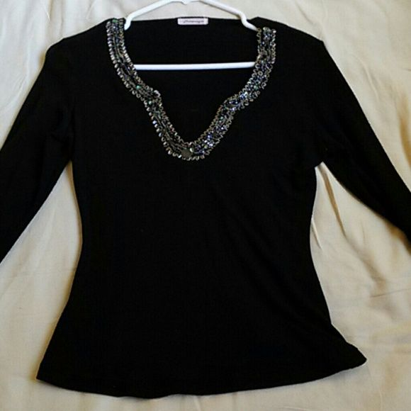 Black Sweater | Nice, Customer support and Delivery