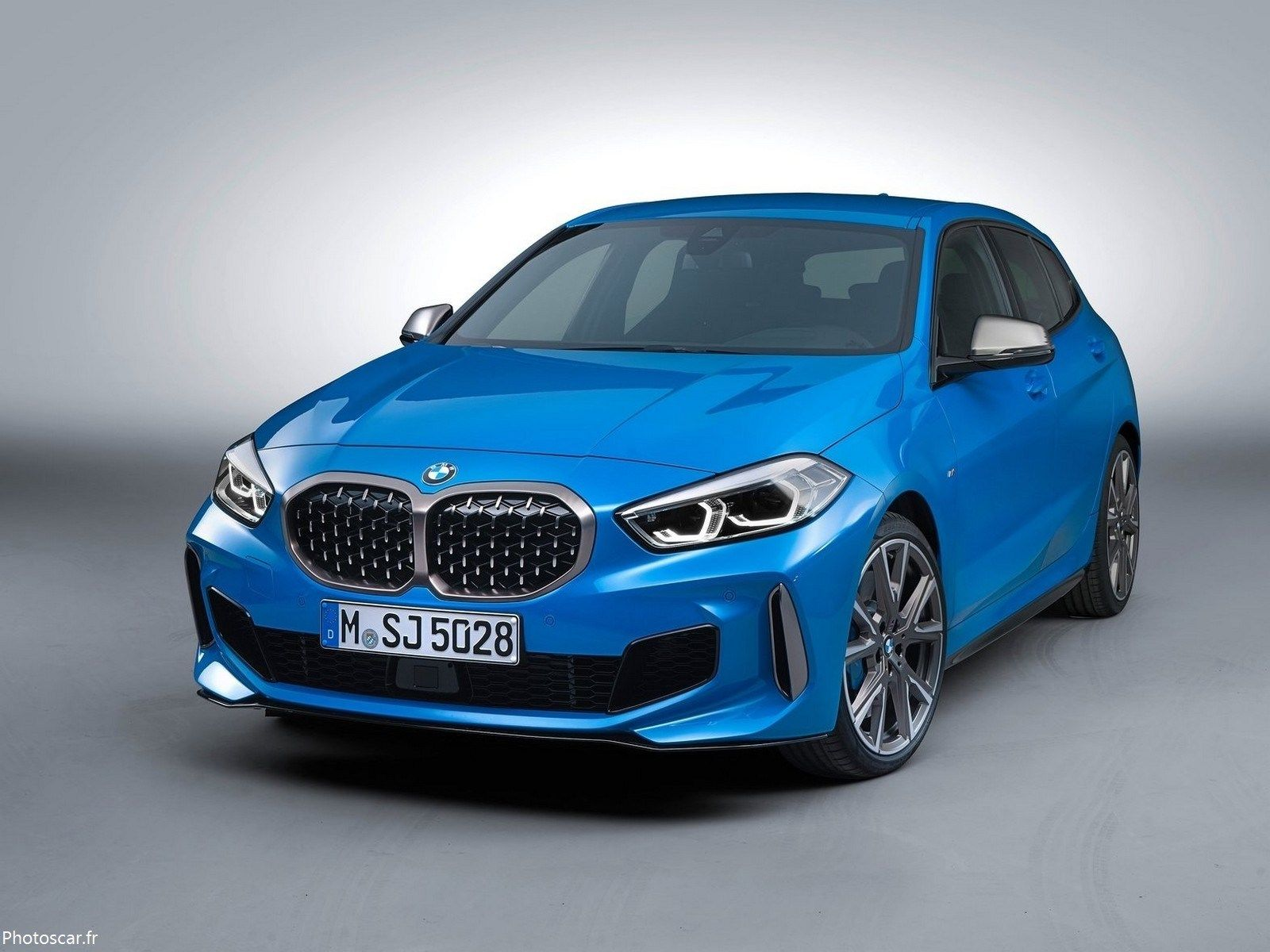 Bmw M135i 2020 The New Trendy Bmw Sedan Looks Great Bmw 1