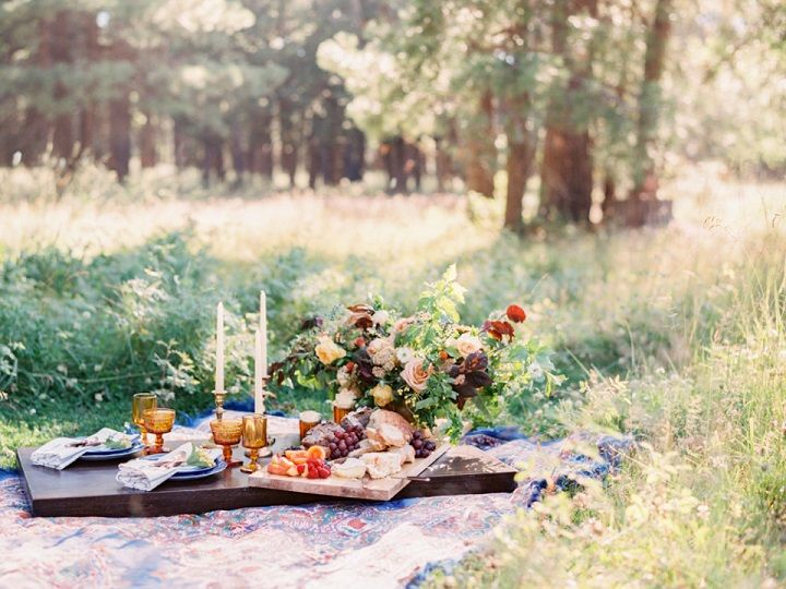 Fall wedding inspiration in shades of amber, blues and rich colours | fabmood.com #wedding #fallwedding #autumn #autumnwedding
