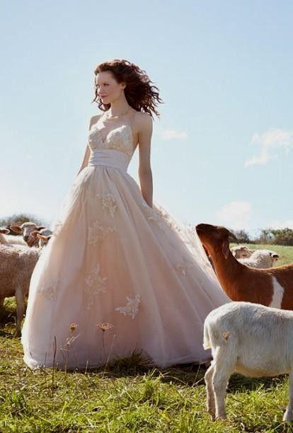 rustic-wedding-dresses-wedding-dresses-and-style-bridescom-2296590.jpg (414×612)