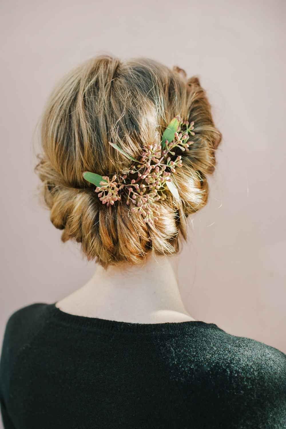 Holiday Hairstyles - Festive Hair DIYs
