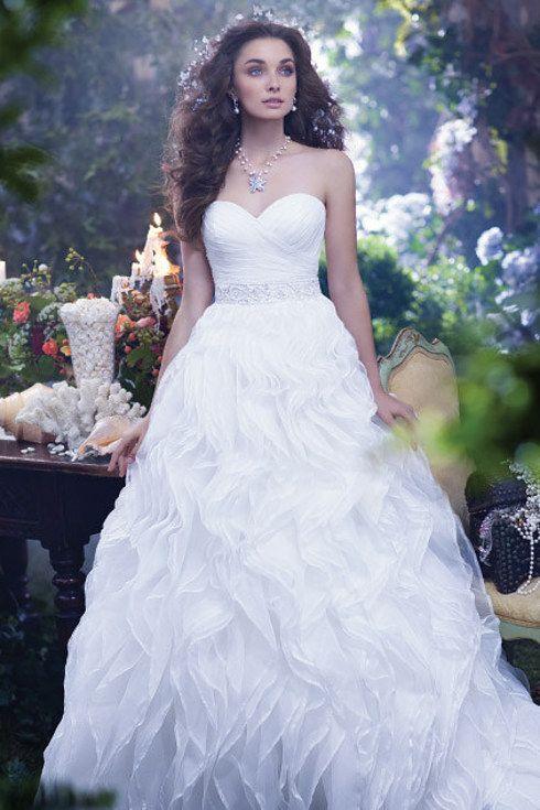 8 Charming Disney Wedding Dresses For Grown-Ups | Disney wedding ...