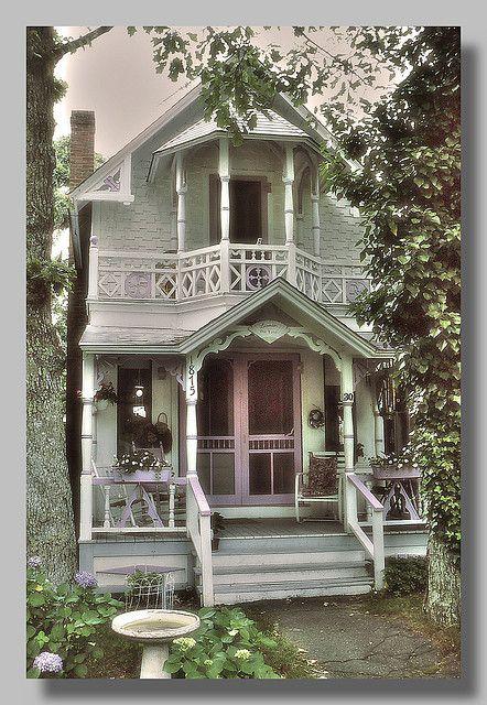martha's vineyard gingerbread houses   Gingerbread House - Martha's Vineyard   Flickr - Photo Sharing!