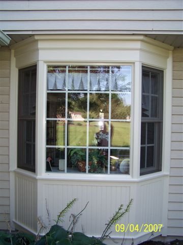 Bay Window Built In Under The Eaves Instead Of Having It S Own Roof Bay Window Exterior Window Trim Exterior Windows Exterior