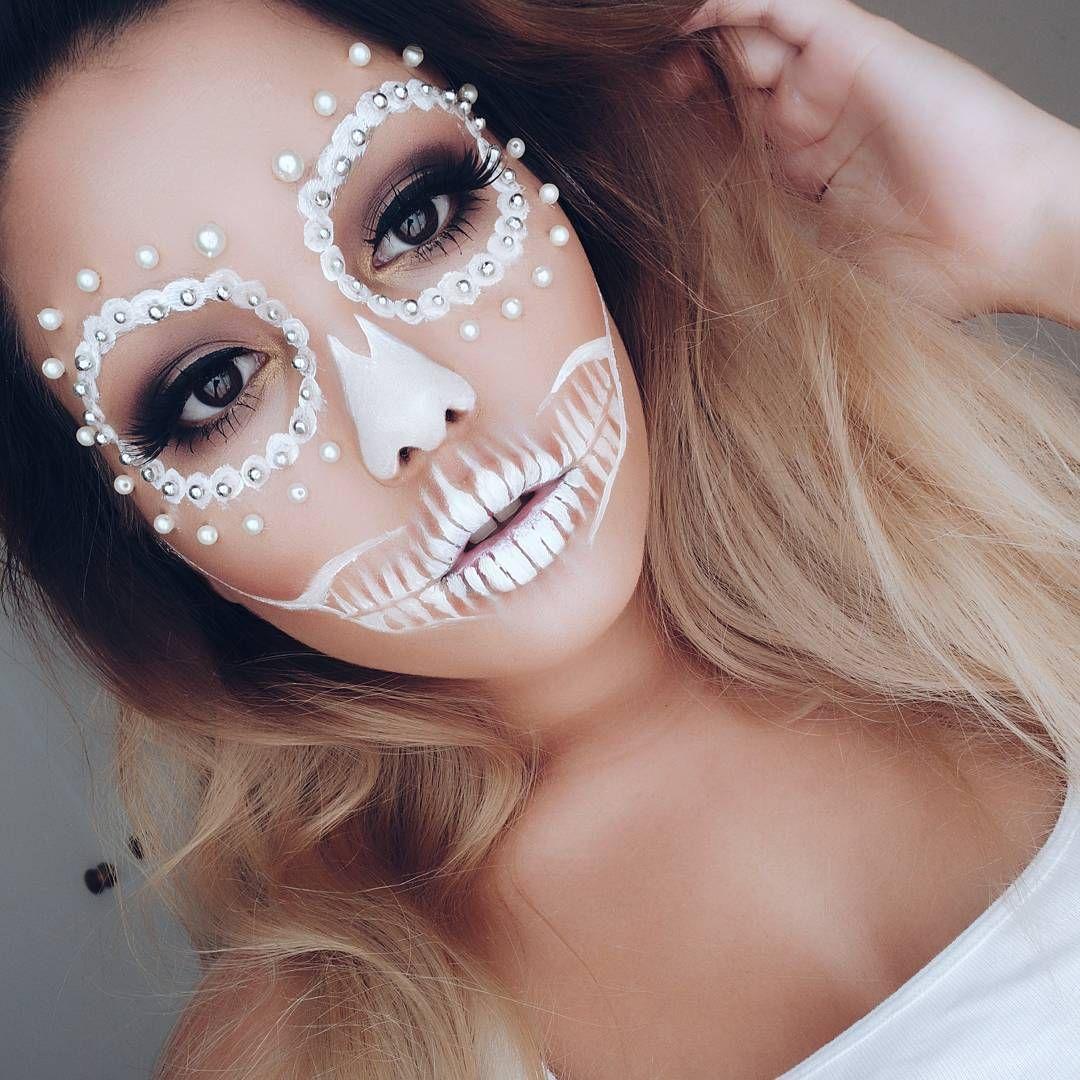 Impress Everyone On Halloween With This Bedazzled Skeleton Halloween Makeup Tutorial Halloween Makeup Easy Beautiful Halloween Makeup Cool Halloween Makeup