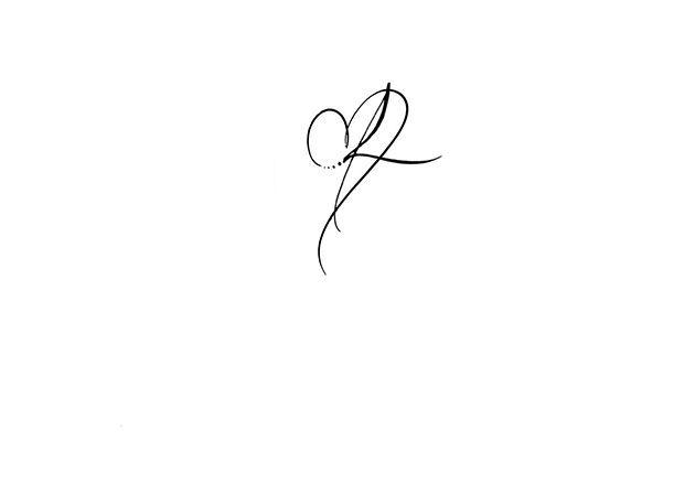 Calligraphie tatouage lettre et coeur, calligraphie tatouage lettre R,  calligraphie tatouage coeur, calligraphie
