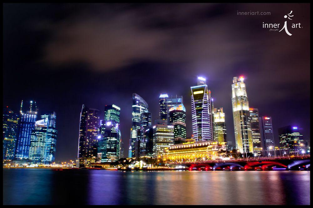 Singapore Skyline ....... #asia #travel #photography #night #inneriart #hannahgalli