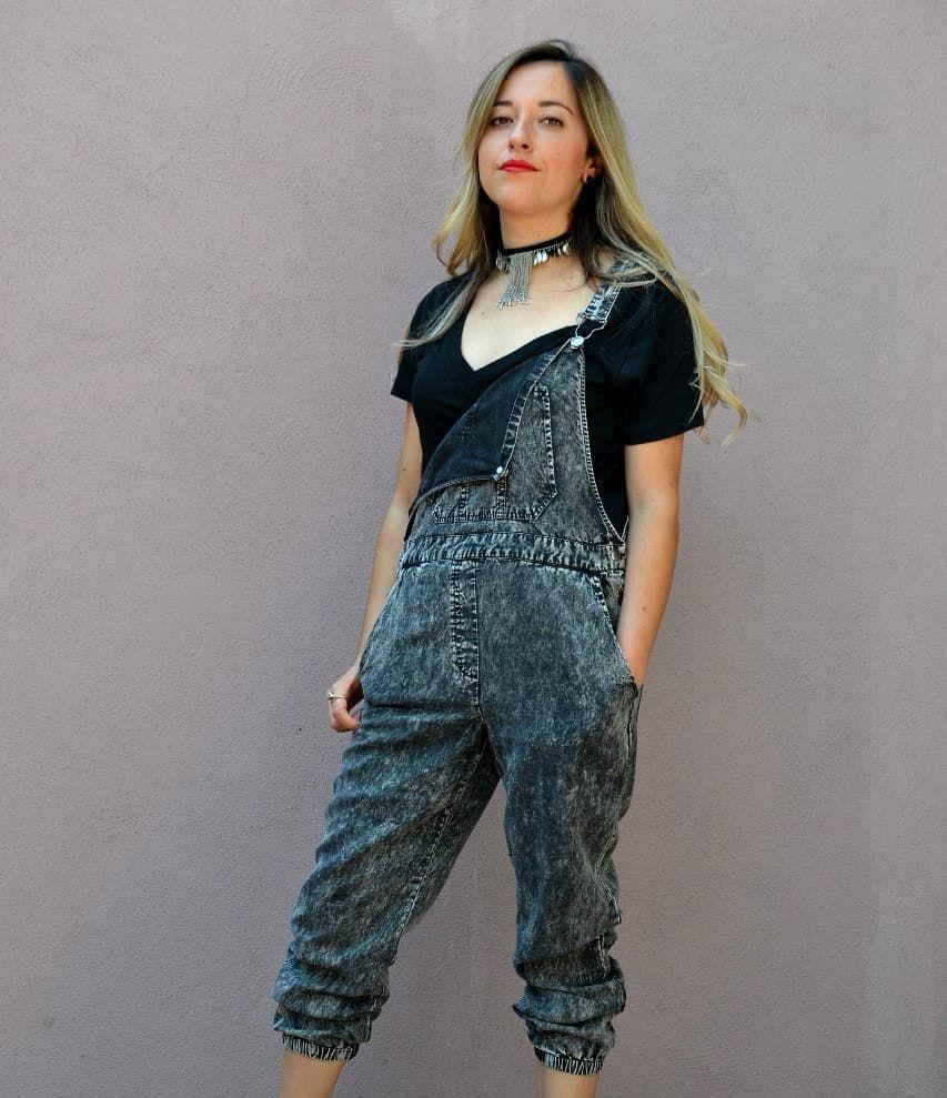 Post para @jaifashionmx  pasen a  echar chisme, dar amor, veneno o  lo que quieran 😄  #instablog #falsasinfluencers #moda #estilo #work #basicos #t-shirt #dark #playera #outfits #diversidad #tres #colaboraciones #posts #fashion #style