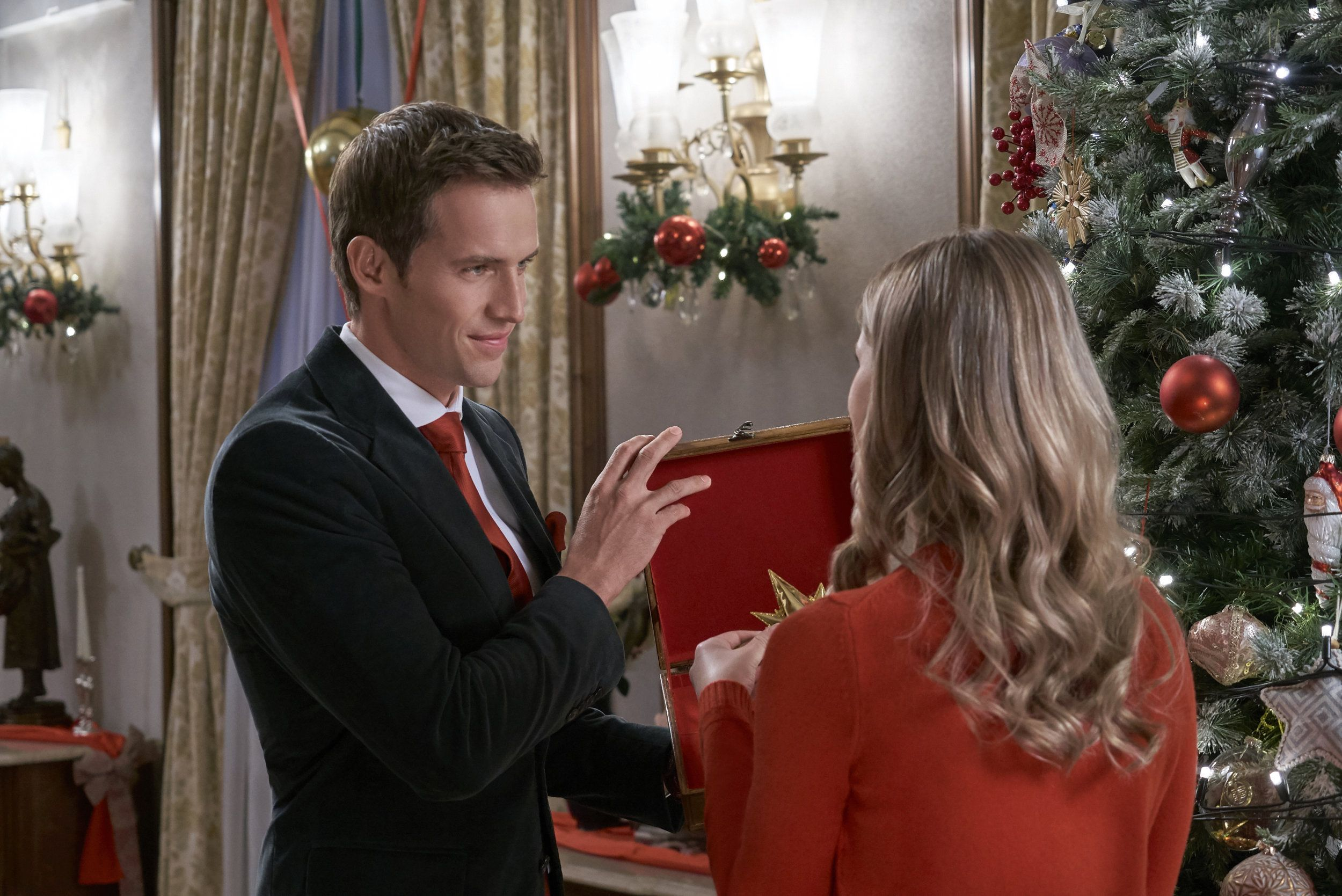 Christmas At The Palace.Pin On Hallmark Movies