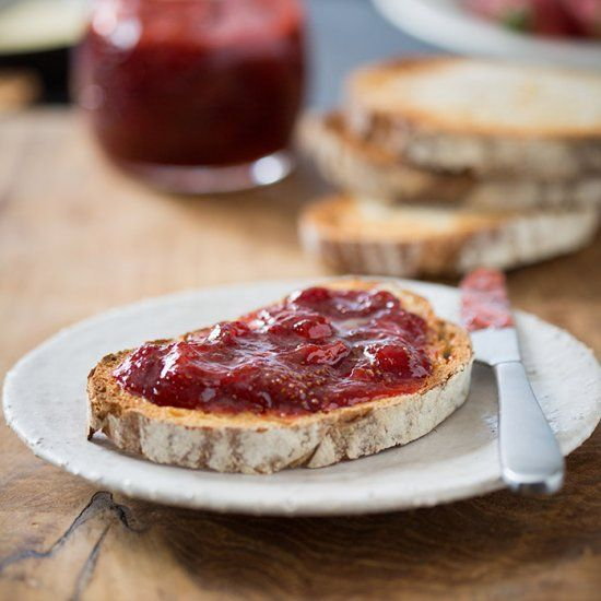 A delicious and easy strawberry jam that is made in 8 minutes with a hint of orange and black pepper.