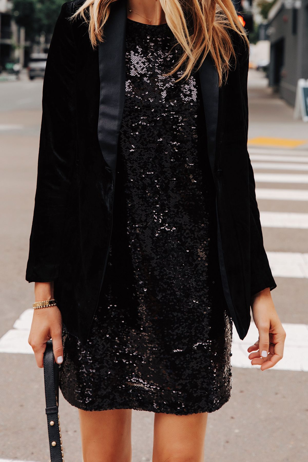 Pin By Liv Offbeat On Fashionjackson Fashion Fashion Jackson Black Blazer Outfit [ 1800 x 1200 Pixel ]