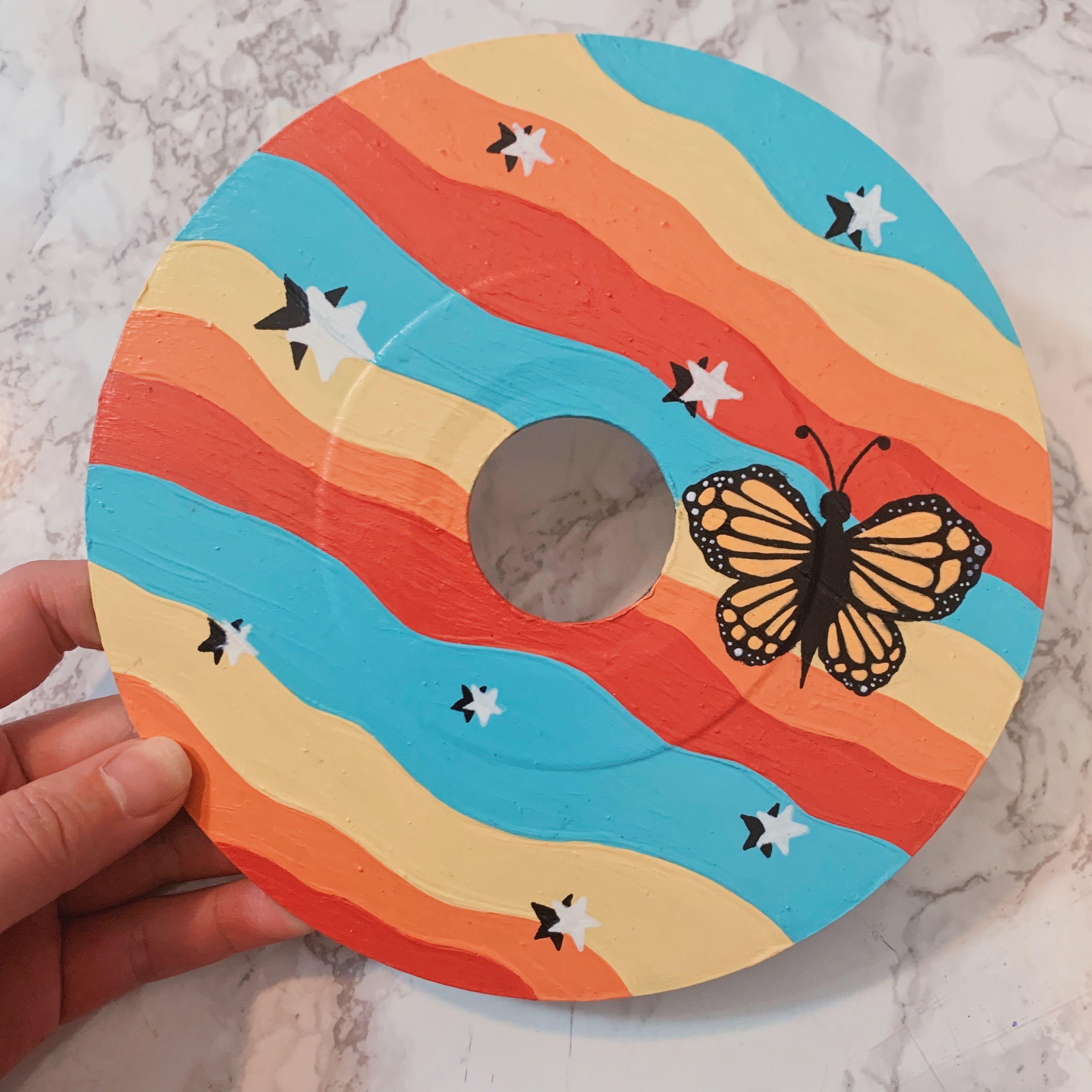 Wall Walldecor Wallart Records Vintage Vinyl Vinylrecords Painting Aesthetic Posca Poscapaint Posc In 2020 Diy Art Painting Vinyl Art Paint Painting Crafts
