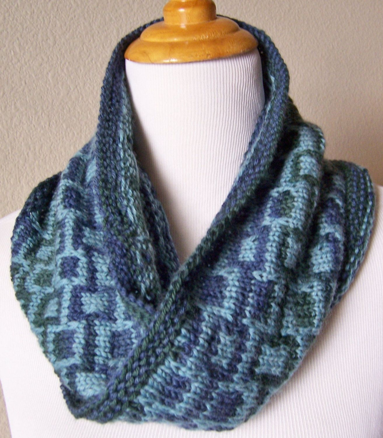 Stanton cowl hand knit infinity scarf geometric pattern in deep stanton cowl hand knit infinity scarf geometric pattern in deep blue and green bankloansurffo Choice Image