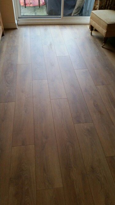 Laminate flooring by CH WoodWorx