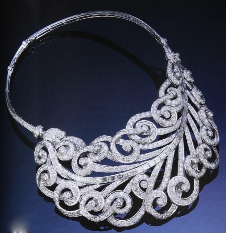 Art Deco Paul Flato Diamond Feather Necklace Circa 1930.   #VintageNecklaces #ArtDecoJewelry