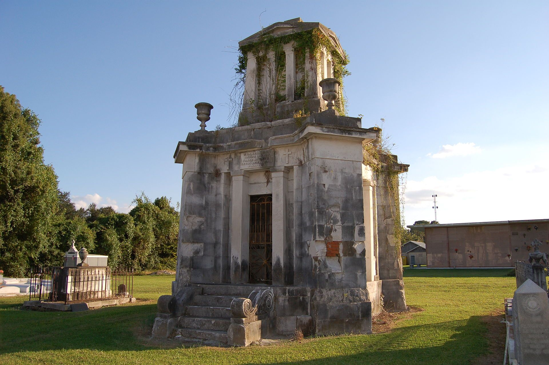 052dc8da18a0b877d8103a4fec51d85a - Southern Memorial Gardens Cemetery Baton Rouge