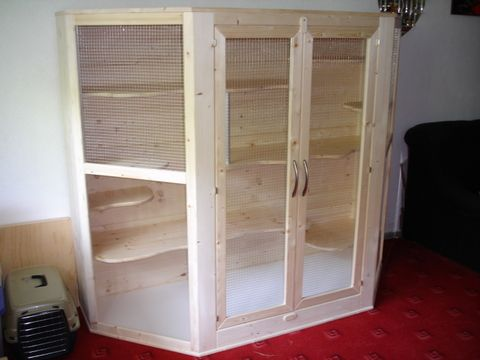 large wooden homemade chinchilla cage chinchillas chinchilla cage chinchilla cage. Black Bedroom Furniture Sets. Home Design Ideas