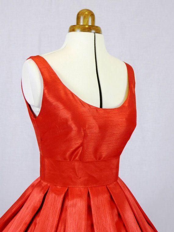 Un 50s estilo vestido de coctel rojo Shantung por elegance50s