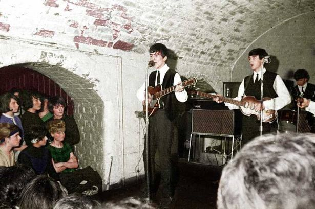 George singing at The Cavern <3